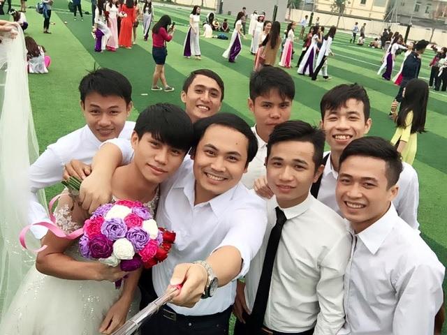 Thầy Phương được các sinh viên rất yêu quý.