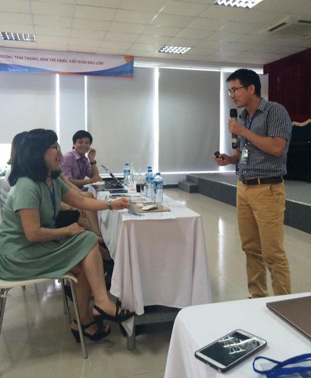 Phần đố kiến thức lịch sử của NCS Nguyễn Quốc Vương gây ấn tượng mạnh tại Hội thảo Đẩy manh thực hành dựa trên bằng chứng