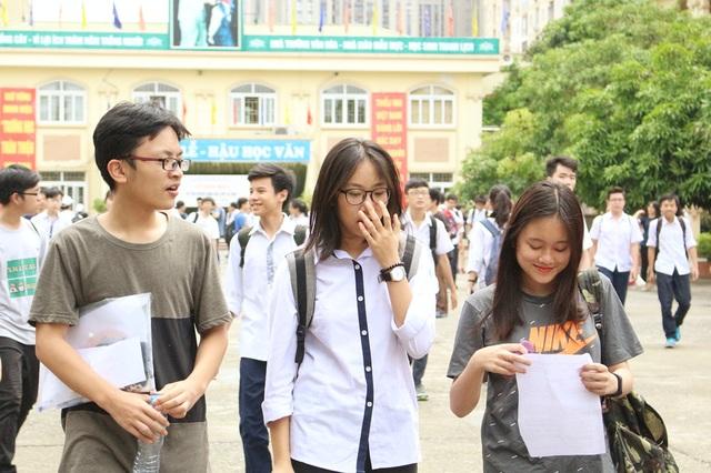 Hà Nội: Thí sinh bất ngờ với đề thi Văn vào lớp 10 - 3