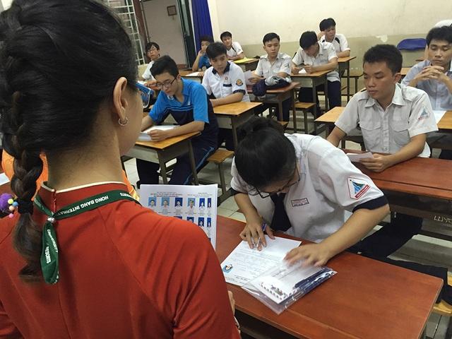 Học sinh lo lắng năm 2018 thi thêm kiến thức lớp 11 sẽ chưa biết ôn tập trọng tâm nào (ảnh minh họa)