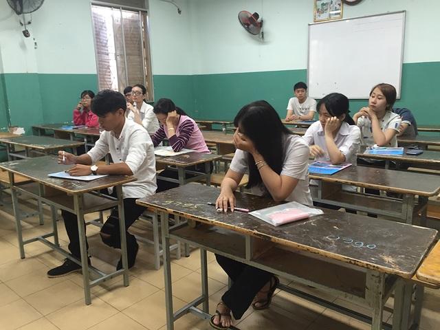 Số lượng thí sinh thi tổ hợp Khoa học xã hội ít nhất trong các buổi thi. (Ảnh: Lê Phương)