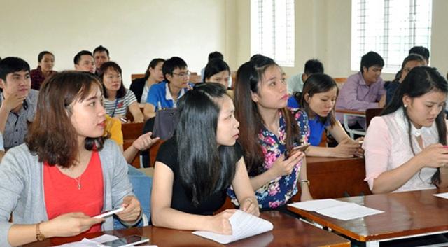 Thí sinh nghe phổ biến quy chế tại Kỳ thi công chức Hà Tĩnh năm 2016 (ảnh: Thanh Hoài)