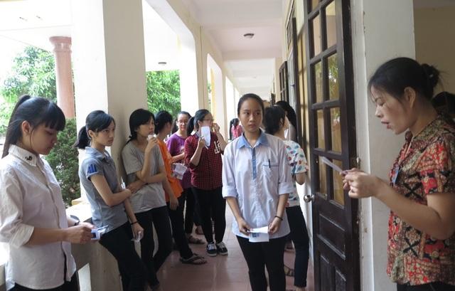 Các thi sinh dự thi và Trường THPT chuyên Phan Bội Châu năm học 2016-2017