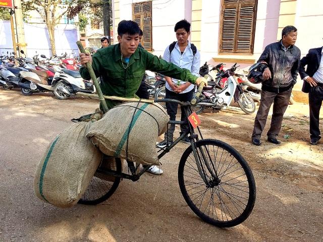 """Chiếc xe thồ Điện Biên Phủ được mệnh danh """"ngựa sắt thần kỳ""""."""