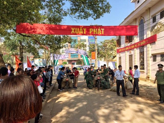 Lần đầu tỉnh Điện Biên tổ chức thi xe đạp thồ trong khuôn khổ Lễ hội Hoa Ban.
