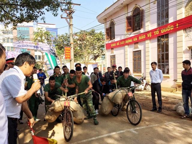 Sôi nổi tái hiện xe đạp thồ Điện Biên Phủ tại Lễ hội Hoa Ban - 8