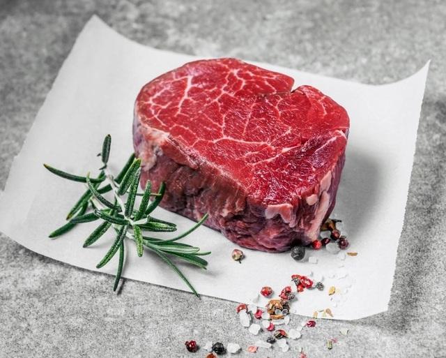 Chỉ 100 gram thịt bò đã chứa khoảng 12,3 mg kẽm – nhiều hơn lượng bạn cần ăn mỗi ngày.