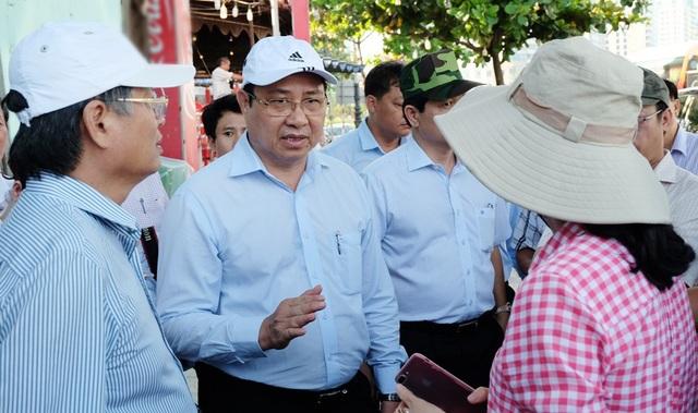 Chủ tịch Đà Nẵng kêu gọi người dân khắc phục hậu quả mưa bão đón APEC - 1