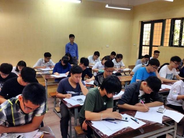 Học sinh tham gia kỳ thi sát hạch vào lớp học ôn thi nội trú cùng thủ khoa của CLB gia sư thủ khoa
