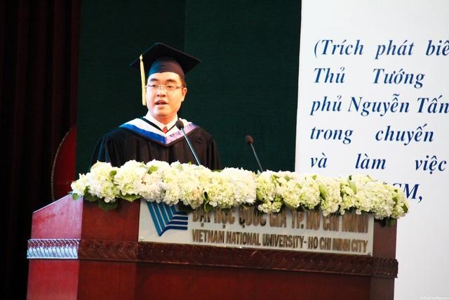 Huỳnh Lê Minh Triết không chỉ là thủ khoa đầu ra có điểm số cao nhất trong lịch sử trường mà còn có thành tích đáng nể trong nghiên cứu khoa học