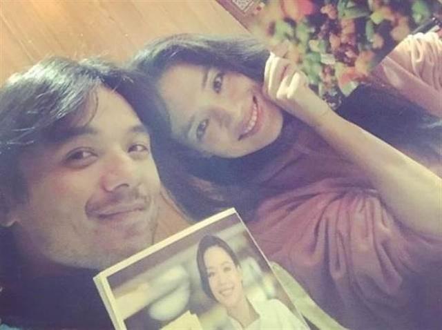 Hình ảnh hiếm hoi của vợ chồng Thư Kỳ và Phùng Đức Luân sau đám cưới vào năm 2016.