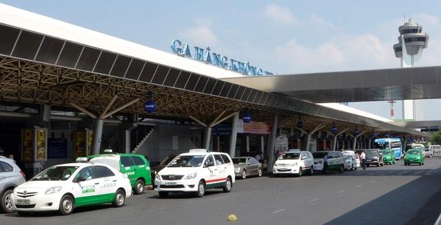 Thanh tra Chính phủ phát hiện 21 cảng hàng không trên cả nước đang thu tiền dịch vụ đường dẫn vào nhà ga hàng không sai quy định.