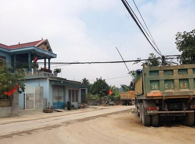 Barie được lập ngay khu vực ngã ba, trên đường liên thôn vào Cụm công nghiệp Hoàng Sơn