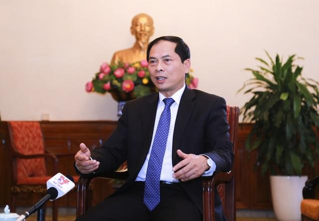 Thứ trưởng Thường trực Bộ Ngoại giao Việt Nam Bùi Thanh Sơn: Việc Việt Nam được mời tham dự Hội nghị G20 lần này cho thấy vai trò và vị thế của ta đang ngày càng được nâng cao trên trường quốc tế và khu vực.