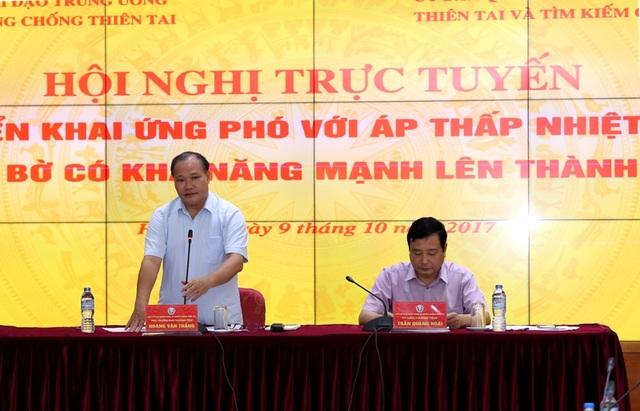 Thứ trưởng Bộ Nông nghiệp và Phát triển nông thôn Hoàng Văn Thắng chủ trì cuộc họp.