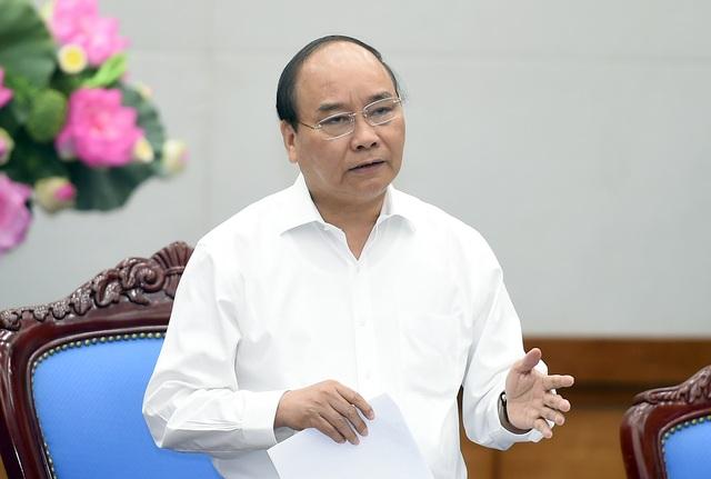 Thủ tướng yêu cầu 2017 phải là năm giảm phí cho doanh nghiệp (ảnh: VGP).