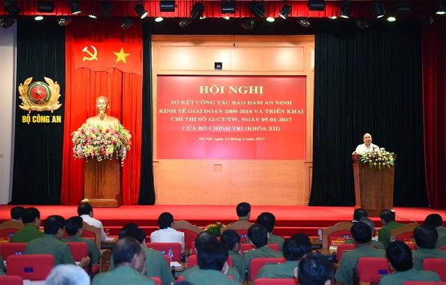 Thủ tướng phát biểu chỉ đạo tại hội nghị sơ kết công tác đảm bảo an ninh kinh tế giai đoạn 2009-2016