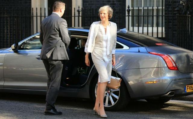 Xe của Thủ tướng Anh Theresa May là một chiếc XJ Sentinel phiên bản bọc thép. (Ảnh: Monitoring)