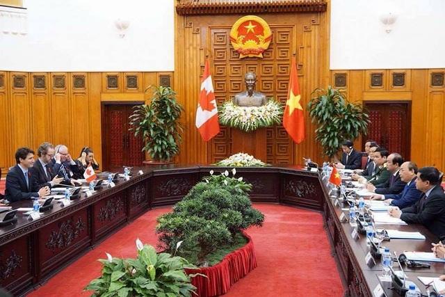 Thủ tướng Nguyễn Xuân Phúc hội đàm với Thủ tướng Canada Justin Trudeau chiều 8/11 (ảnh: Hữu Nghị)
