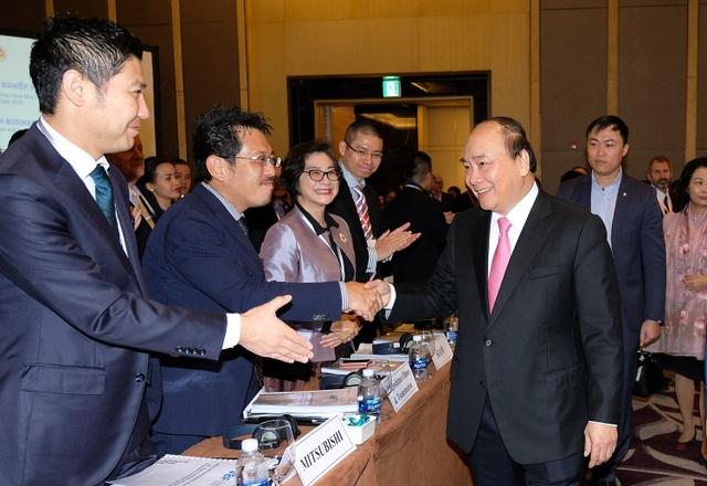 Thủ tướng Chính phủ Nguyễn Xuân Phúc tham dự và phát biểu tại Diễn đàn Doanh nghiệp Việt nam 2017 (ảnh VGP)