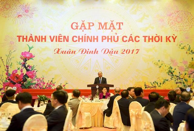 Thủ tướng chủ trì cuộc gặp mặt thành viên Chính phủ các thời kỳ.