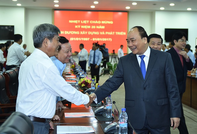 Thủ tướng gặp gỡ các lãnh đạo chủ chốt của tỉnh Bình Dương