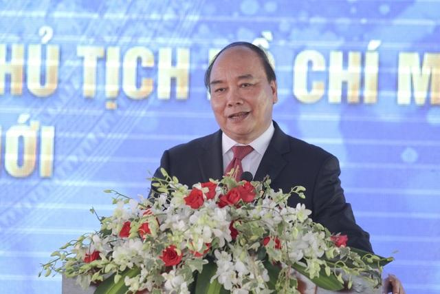 Thủ tướng Nguyễn Xuân Phúc phát biểu tại lễ khai giảng và lễ phát động trồng cây của trường ĐH Nguyễn Tất Thành