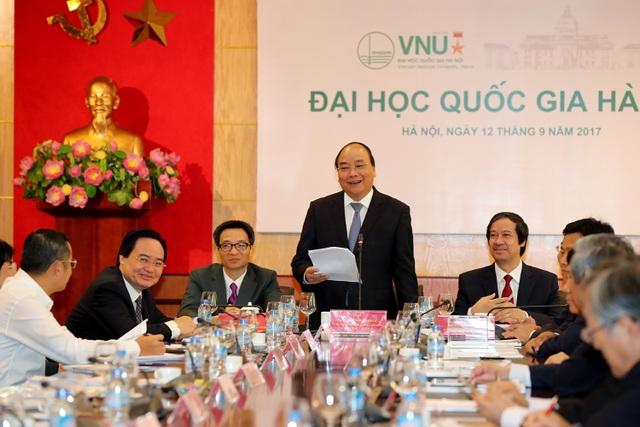 Thủ tướng Nguyễn Xuân Phúc làm việc với ĐH Quốc gia Hà Nội sáng ngày 12/9 (Ảnh: Bùi Tuấn)
