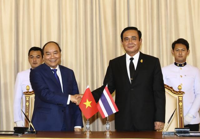 Hai nhà lãnh đạo Việt Nam - Thái Lan