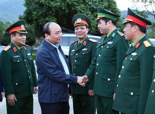 Thủ tướng thăm Đồn Biên phòng Trà Lĩnh