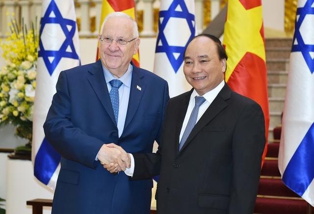 Thủ tướng Nguyễn Xuân Phúc và Tổng thống Israel Reuven R.Rivli (ảnh: VGP)