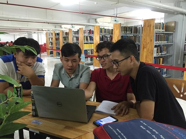 Sinh viên học tại trường ĐH Sư phạm Kỹ thuật TPHCM