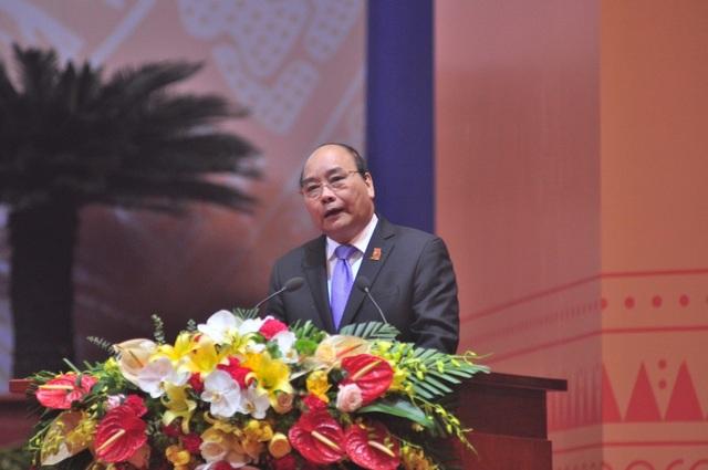 Thủ tướng Nguyễn Xuân Phúc khẳng định thanh niên phải là người đi tiên phong, dấn thân trong mọi lĩnh vực.