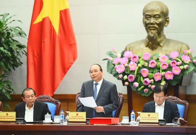 Thủ tướng Chính phủ Nguyễn Xuân Phúc yêu cầu các Bộ liên quan phải sớm báo cáo cơ chế, chính sách cho TPHCM đầu tư phát triển hạ tầng giao thông (ảnh: VGP)