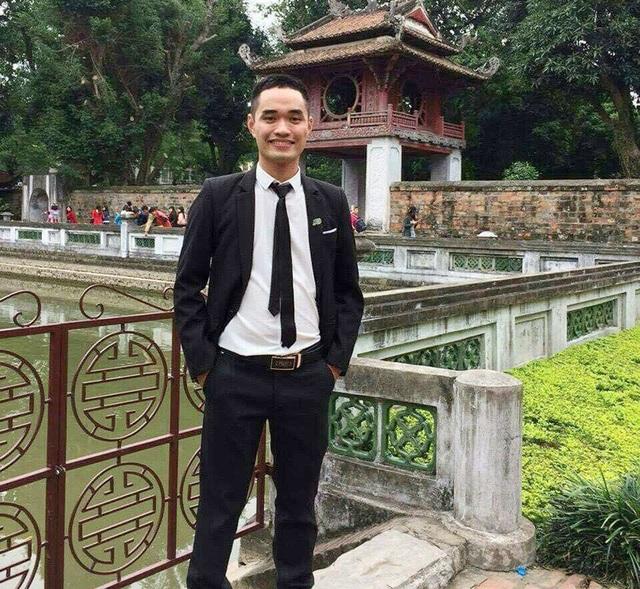 Và đây là Trần Văn Tài khi không bị nhuộm xanh bởi thuốc trị bệnh thủy đậu.