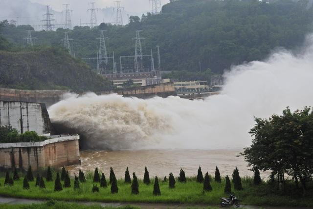 Thủy điện Hòa Bình xả lũ hồi giữa tháng 7.