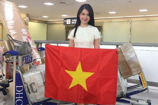 Cô cũng chính thức chia sẻ clip giới bản thân đến với cuộc thi nhan sắc lâu đời và uy tín thứ 3 trên thế giới. Á hậu Việt Nam hy vọng khán giả nước nhà và bạn bè quốc tế có thể hiểu hơn về Thuỳ Dung - đại diện Việt Nam tham gia Miss International 2017.