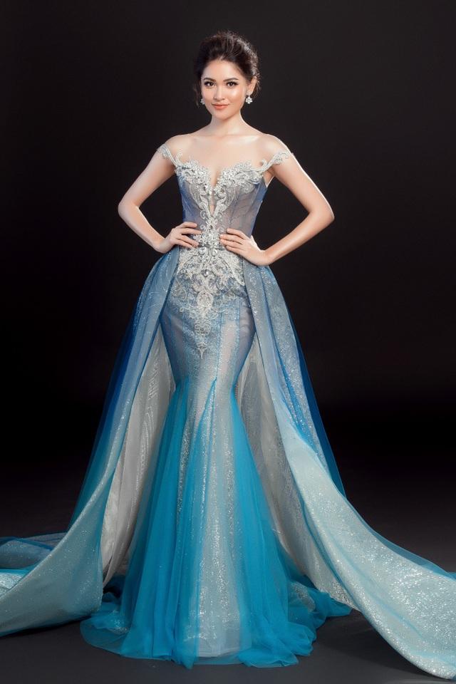 Chọn đầm dạ hội màu xanh ombre, Á hậu Thùy Dung khéo léo khoe đường cong cơ thể bằng thiết kế đuôi cá