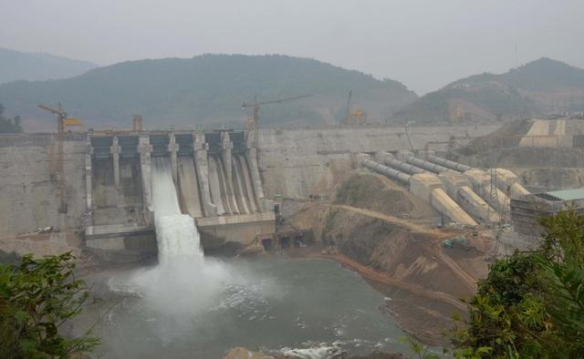Dự án Thuỷ điện Trung Sơn có công suất lắp máy (Nlm): 260MW; điện lượng trung bình năm (Eo): 1.018,61 triệu kWh