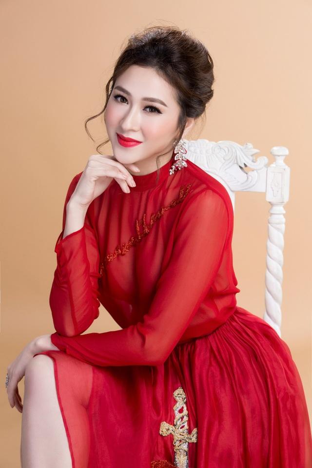 Top 10 Miss Ngôi sao khoe vẻ đẹp nữ tính, kiêu sa - 13
