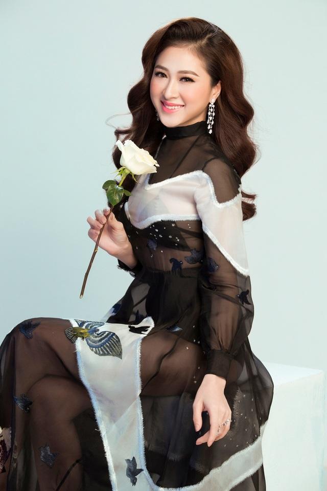 Top 10 Miss Ngôi sao, MC Thuỳ Trang sở hữu làn da mịn màng, nhan sắc tự nhiên và nụ cười khả ái.