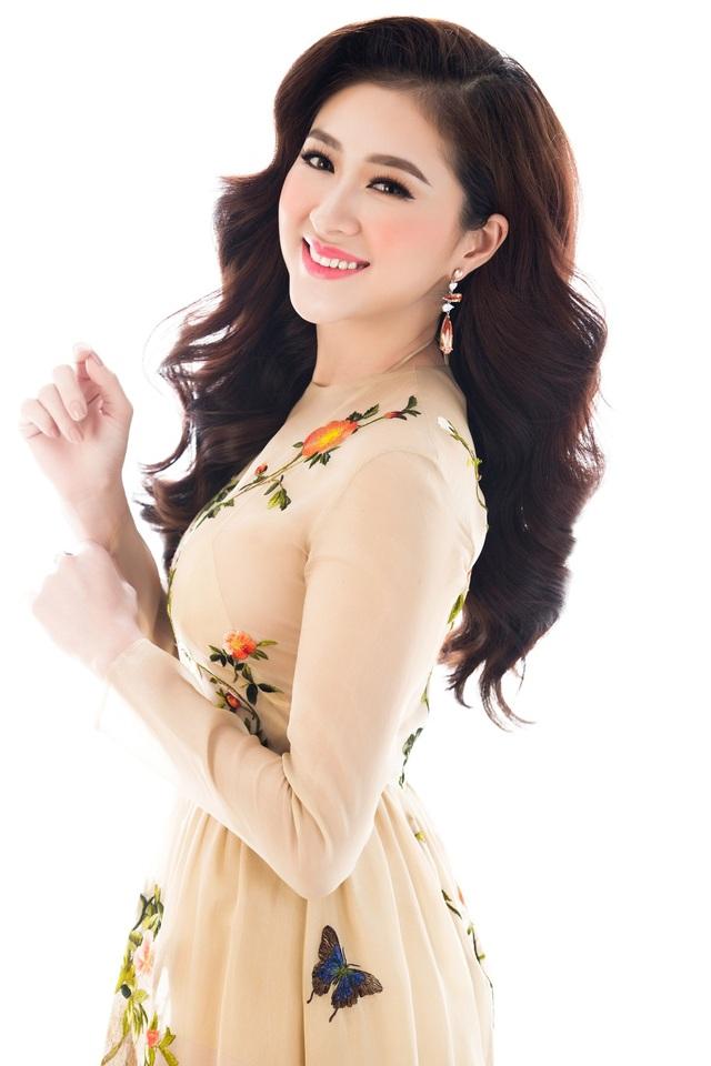 Top 10 Miss Ngôi sao khoe vẻ đẹp nữ tính, kiêu sa - 10
