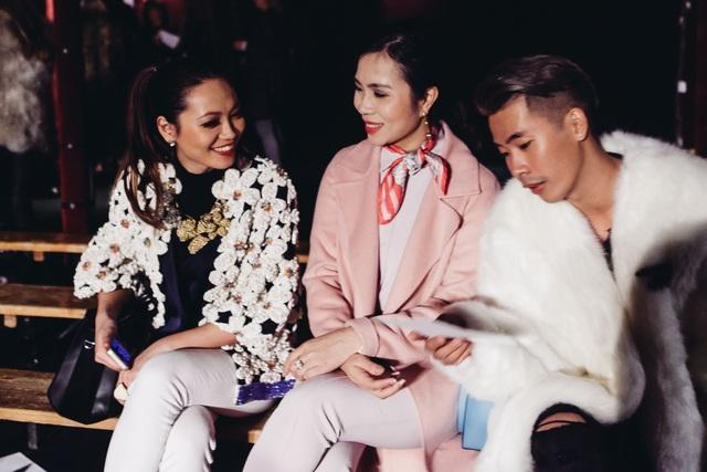 Thythu và doanh nhân Lưu Nga tại Paris Fashion Week.