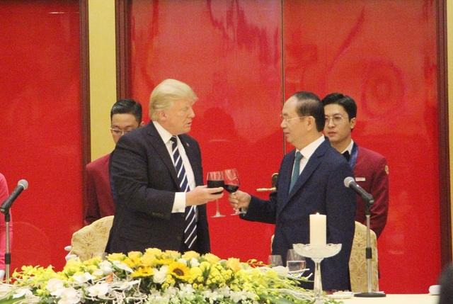 Chủ tịch nước mở tiệc chiêu đãi cấp Nhà nước Tổng thống Donald Trump - 8