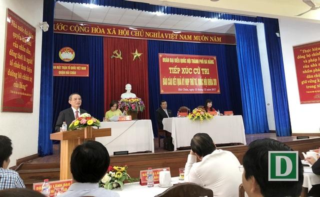 Các ĐBQH TP Đà Nẵng tiếp xúc cử tri báo cáo kết quả kỳ họp thư 4 Quốc hội khóa XIV tại quận Hải Châu sáng 13/12