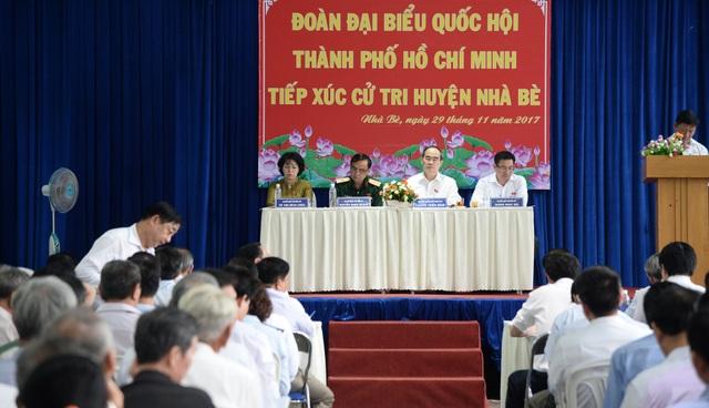 Bí thư Thành ủy TPHCM Nguyễn Thiện Nhân tiếp xúc cử tri huyện Nhà Bè