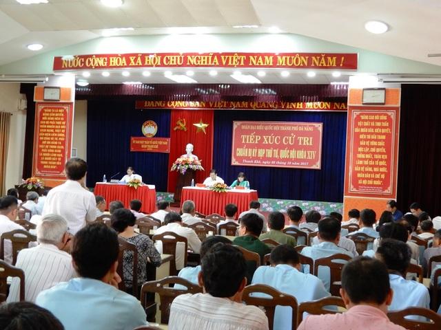 Đoàn đại biểu Quốc hội TP Đà Nẵng đã có buổi tiếp xúc với các cử tri quận Thanh Khê chuẩn Kỳ họp thứ tư, Quốc hội khóa XIV.