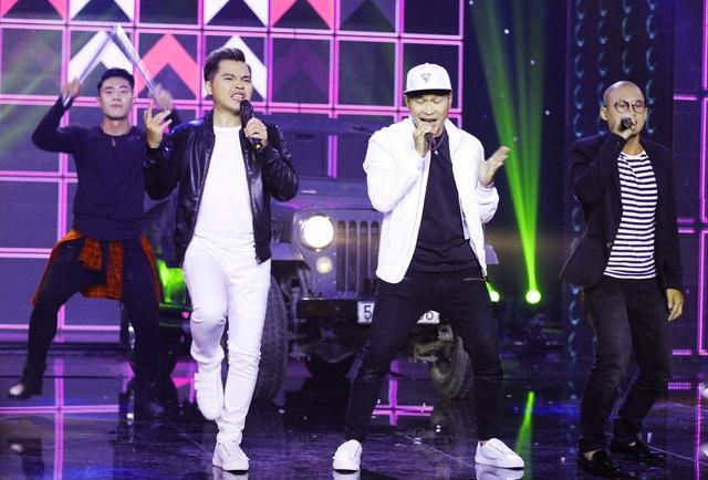 """Nhóm MTV với ca khúc """"Đừng nhìn bề ngoài"""", đề cập đến nhiều vấn đề trong showbiz như: nhái hình xăm, nhái gu ăn mặc của ca sĩ nước ngoài, đạo nhạc, hợp đồng tình ái, pokemon, hot boy, hot girl tự phong…"""