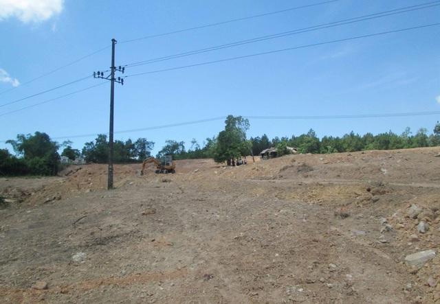 Khu vực làm bãi đỗ xe của Công ty TNHH Chuỗi Giá Trị đã bị người dân phản ánh san phẳng 1 mộ cổ nghi là vợ vua tên Mỹ Phi