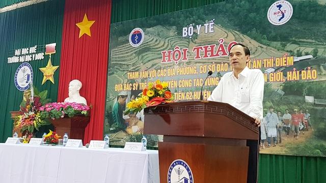 BS Phạm Văn Tác, Vụ trưởng Vụ Tổ chức cán bộ (Bộ Y tế) phát biểu chỉ đạo tại Hội thảo